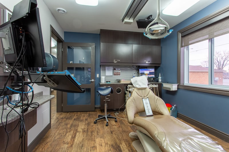 A wide angle picture of a Trenton dentist called You Make Me Smile Dental Centre's patient room