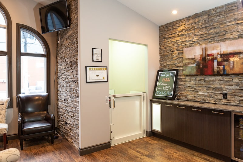 A picture of Trenton dentist called You Make Me Smile Dental Centre's front door